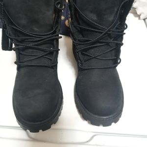 Pre owned kids leather Timberland boots size 4m
